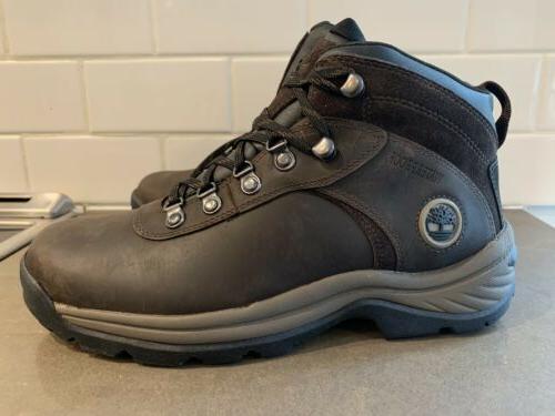 mens waterproof hiking boots 7 5 nwt