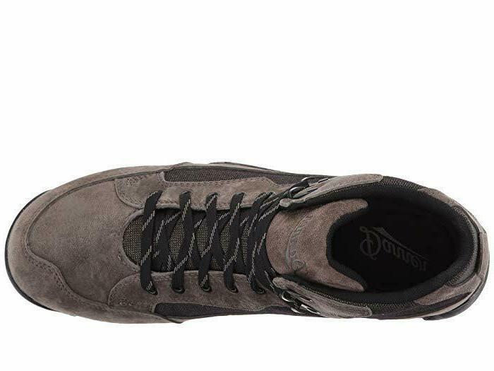 New in Men's Skyridge Boots Grey Size