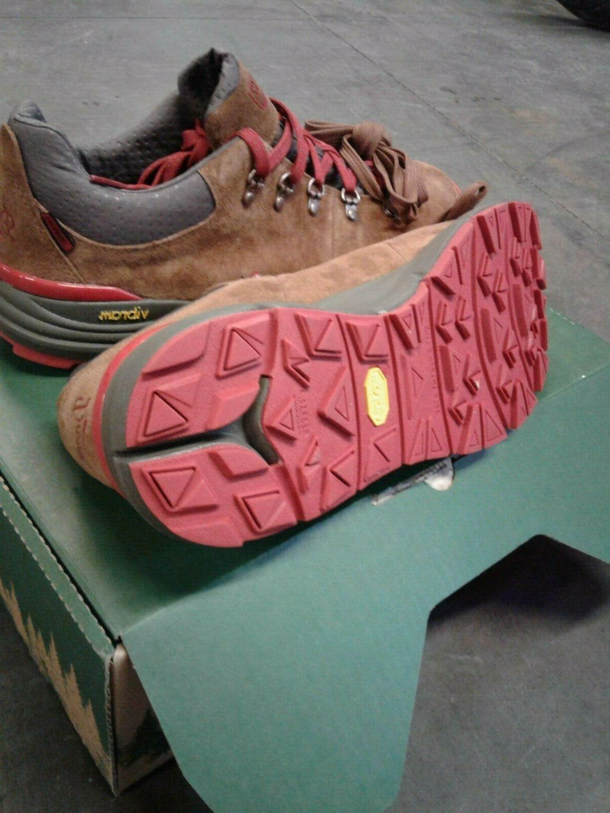NEW MTN 600 LOW BOOT SIZE