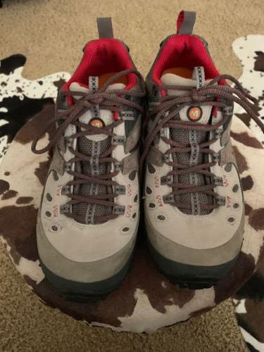 Merrell Waterproof Women's Hiking Boots SZ 8.5 M