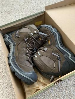 KEEN mismate!! Men's Targhee III Mid Waterproof Hiking Boots