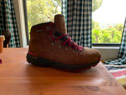 New in Box Mens Danner Mountain 600 4.5in Leather Hiking Boo