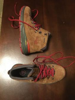 Danner Mountain 600 Men's Hiking Boots - Size 8 US