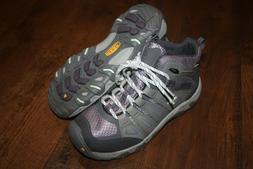 New In Box KEEN Women's Oakridge Mid Waterproof Hiking Boots