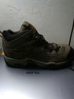 NEW! COLUMBIA Mens Trailmaster CLASSIC CAMPING & HIKING MID