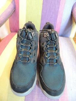 TEVA Size 9 Men's Arrowood Mid Height Hiking Trail Boots Sho