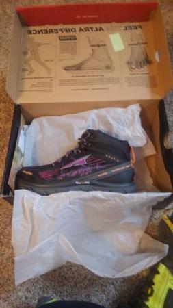 Women's Altra Lone Peak MDM 3.5 Hiking Boots size 5.5