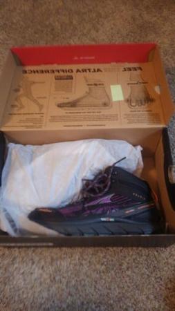Women's Altra Lone Peak MDM 3.5 Hiking Boots size 8