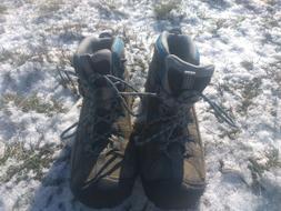Keen Women's Targhee II Mid Waterproof Hiking  Boots Size 9.